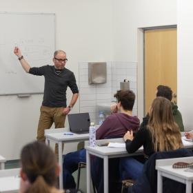Profesní semináře Asociace pracovníků univerzit – online kurzy